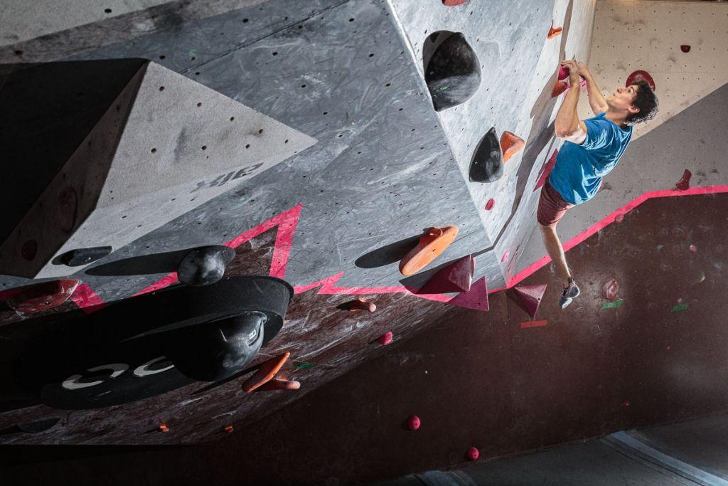 Andy Gullsten on the steeps of Boulder Center Isatis in Helsinki.