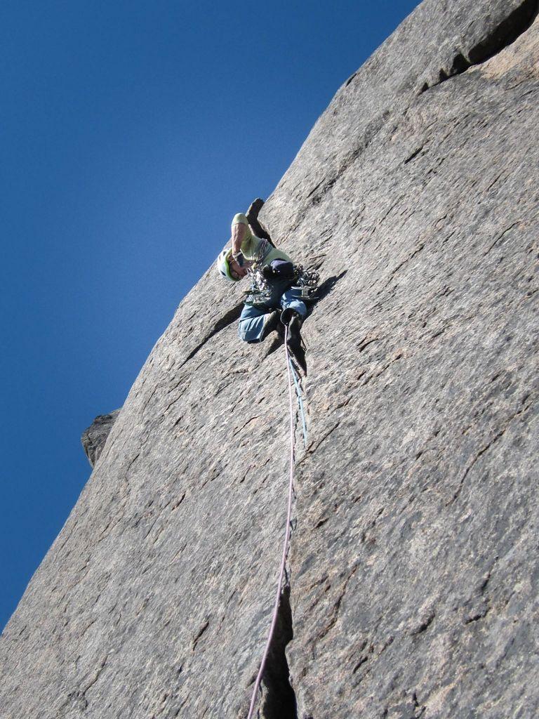Tapio Alhosuo Climbing at Northern Norway