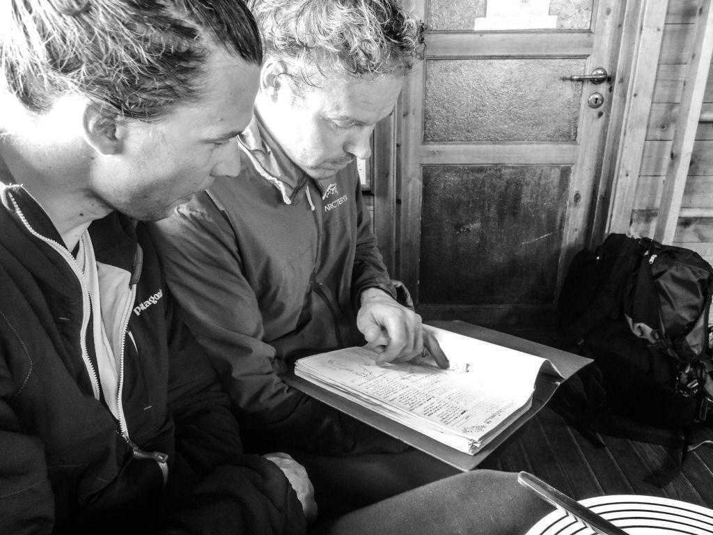 Tapio and Riku reading topo